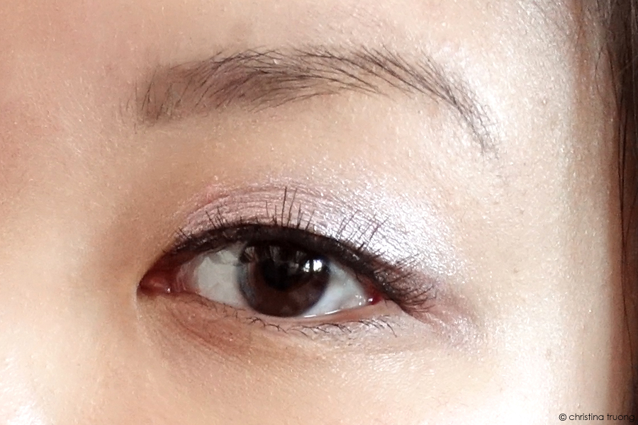 Revlon Mythic Lights. Creating an ethereal makeup look. Revlon ColorStay Full Cover Foundation 175 Natural Ochre. Revlon PhotoReady Galaxy Dream 003 Holographic Highlighting Palette. Revlon ColorStay Creme Eyeshadow 745 Cherry Blossom and 760 Earl Grey. Revlon Kiss Cushion Lip Tint 290 Extra Violet.