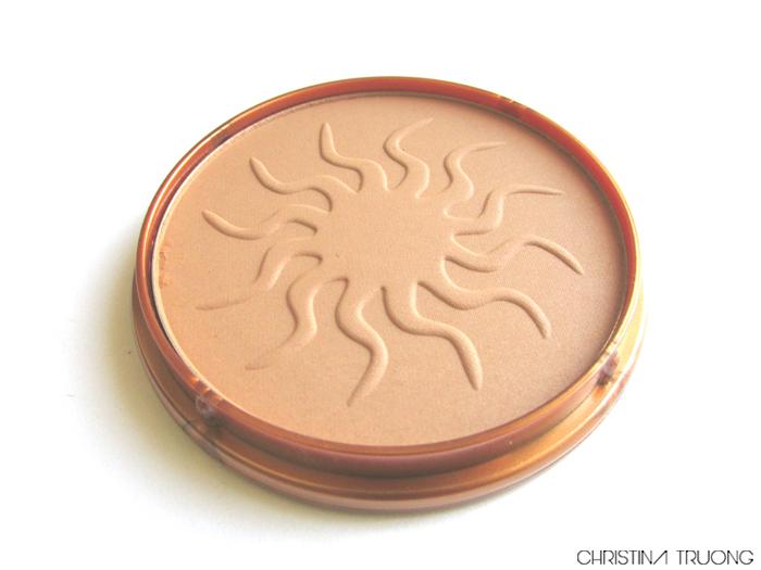 Rimmel London Natural Bronzer Review Swatch 021 Sun Light