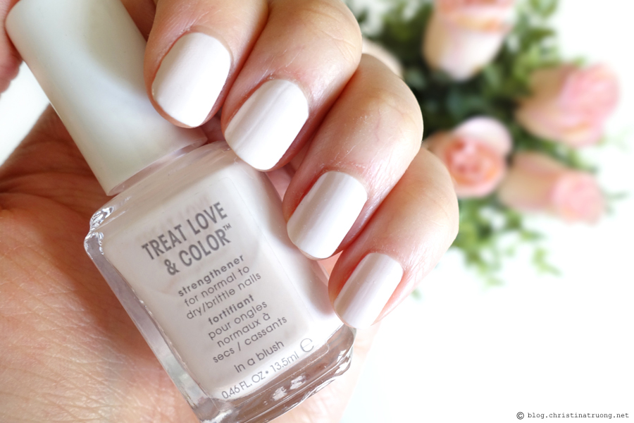 essie Treat Love and Color Strengthener Nail Polish shade 22 In A Blush Full Coverage Creme Review